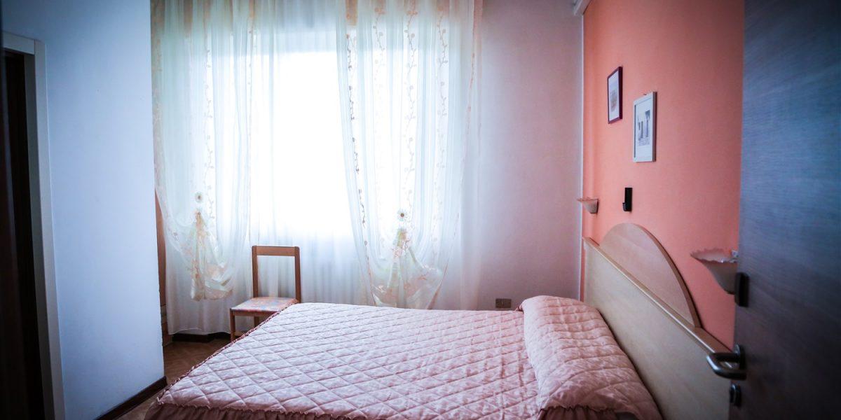 Camera Doppia con Letti Singoli – Hotel Ristorante Ausonia di Monte ...