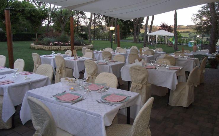 hotel ristorante ausonia sala pranzo esterna