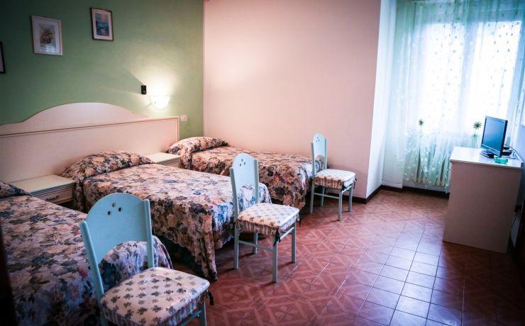 camera doppia letti singoli hotel ausonia