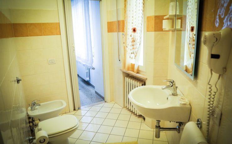 hotel ristorante ausonia - bagno
