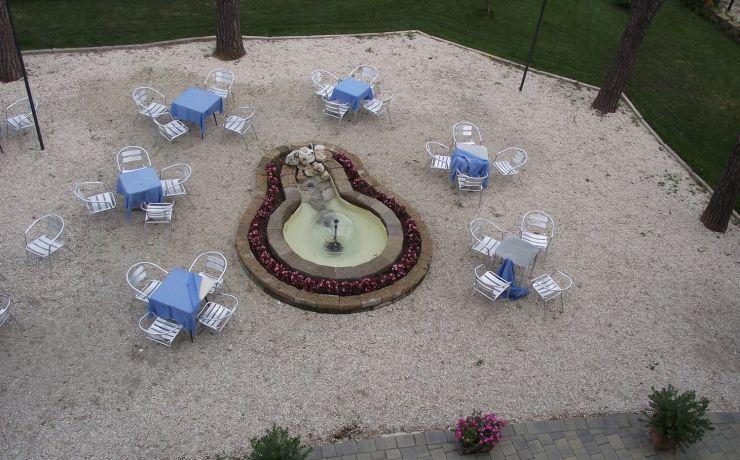 Hotel ristorante ausonia giardino 10